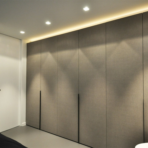 armoire sur mesure a portes pivotantes cleaf