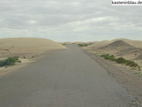 Wüste bis auf die Straße