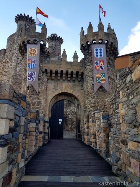 Burg in Ponferrada / Nordspanien