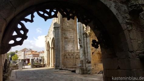 Kirchenruine in Pontevedra
