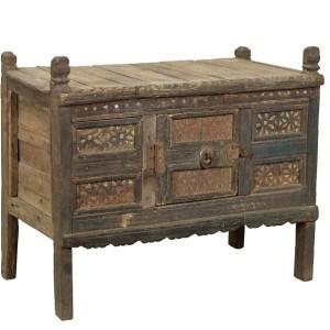 zeer decorative opbergkast uit India-damchiya