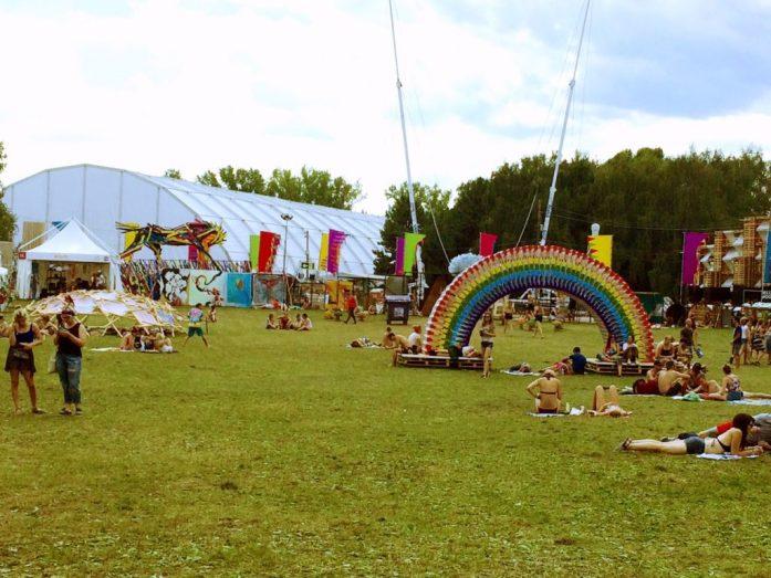 art zone telekom arena sziget festival 2016 rocking horse art installation