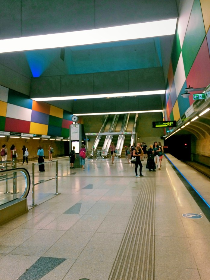 moricz zsigmond korter metro stop underground M4 Budapest public transport public sphere architecture station colourful tunnel subway colours light