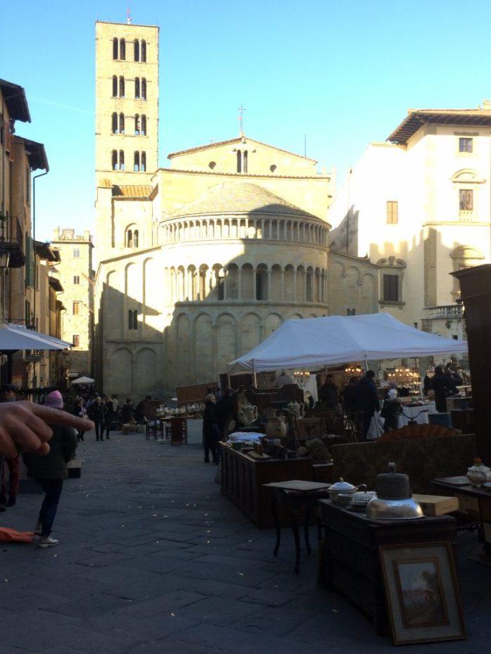 Piazza majore arezzo market