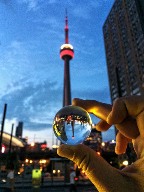 glassball photography toronto cn tower at dark
