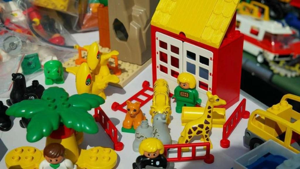 organize declutter kids toys 1
