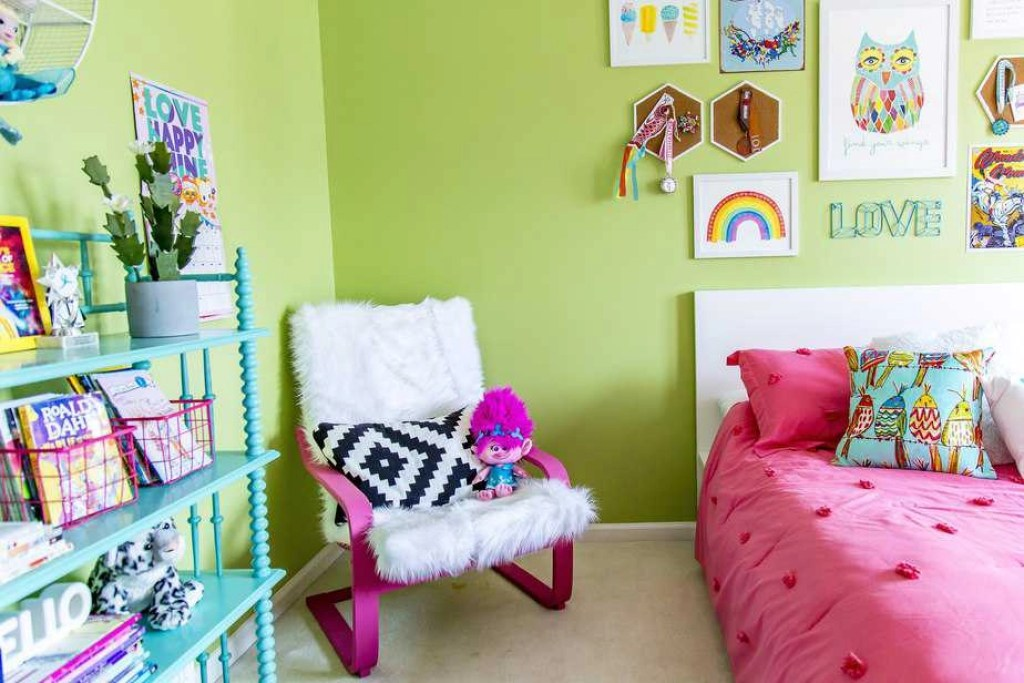 girls bedroom rainbow 3
