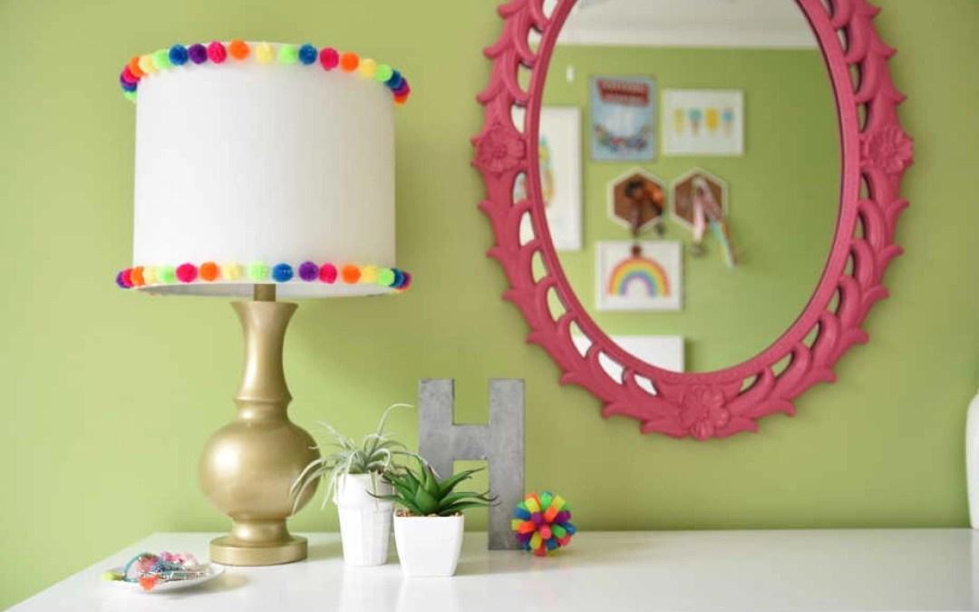 A 15-Minute DIY Pom Pom Lamp