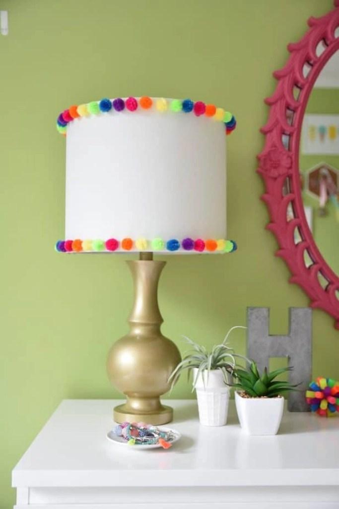 easy diy pom pom lamp