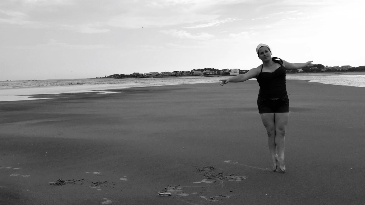 tina-dancing-on-the-beach-11