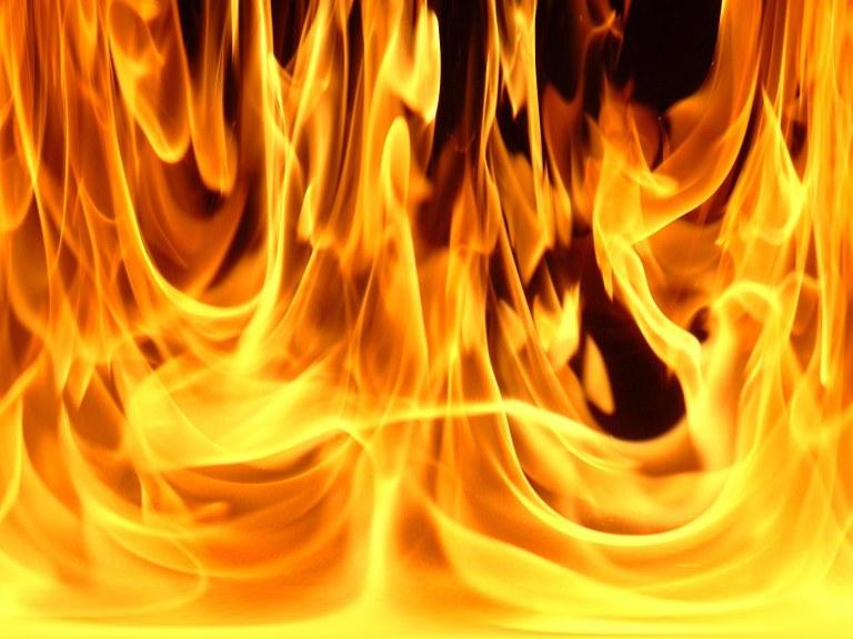 Φωτιά σε προεκλογικό περίπτερο του ΣΥΡΙΖΑ στο Χαϊδάρι