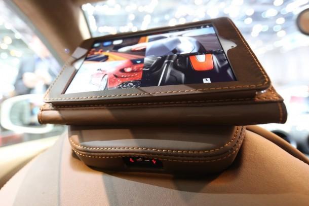 Ferrari-FF-iPad-Geneve-2013-021-610x406
