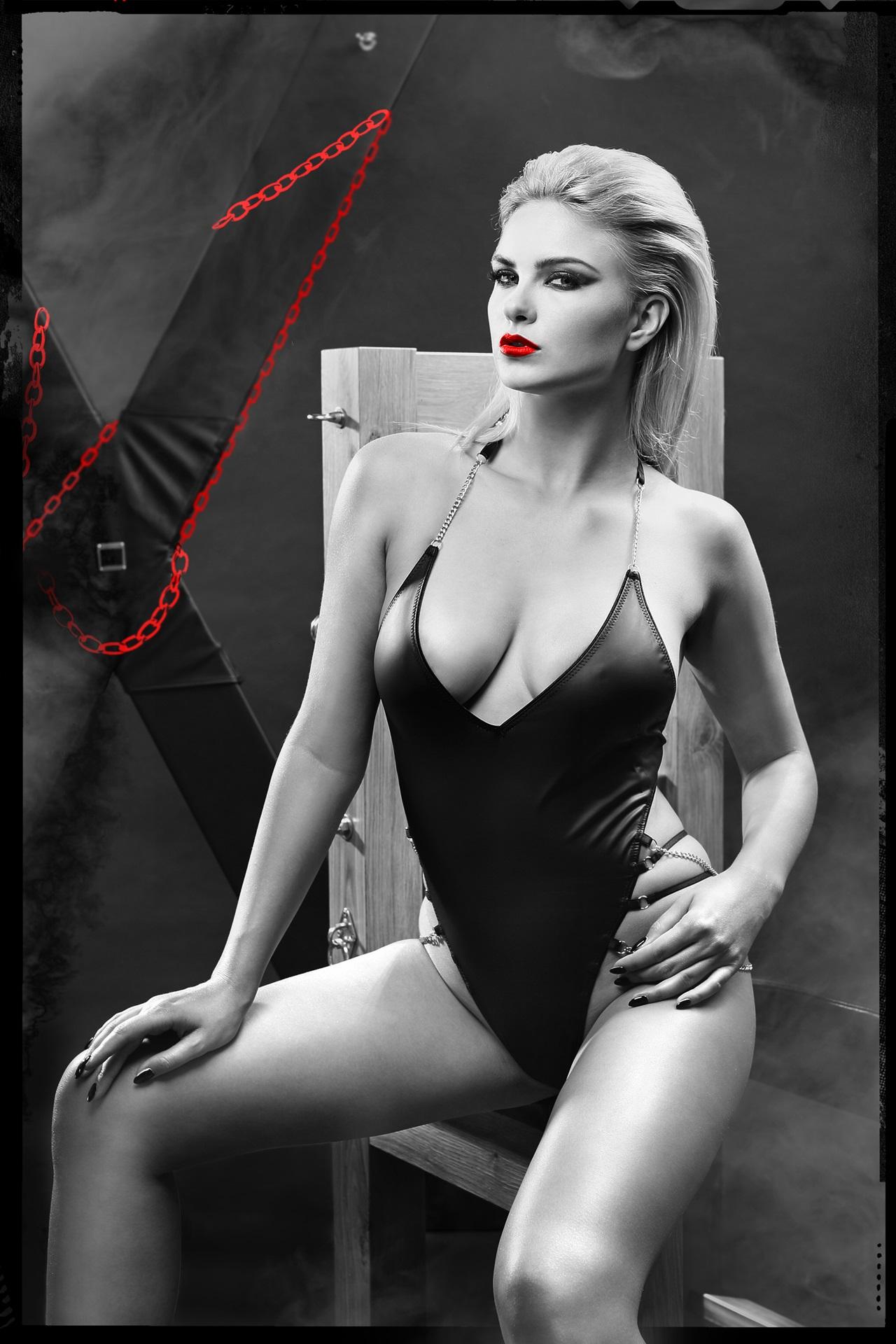 DDLitai001 Schwarzer Ketten-Body von Demoniq Dark Desire Collection