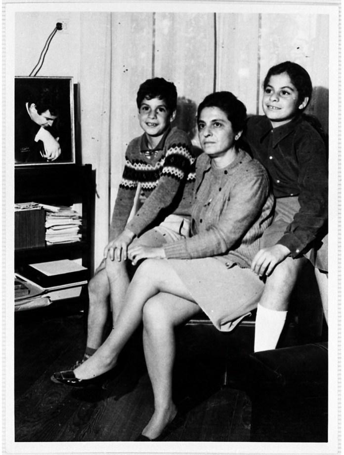 mikis-theodorakis-1925-2021-apochairetismos-se-enan-megalo-ellina0