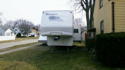 Front of a fifth wheel camper