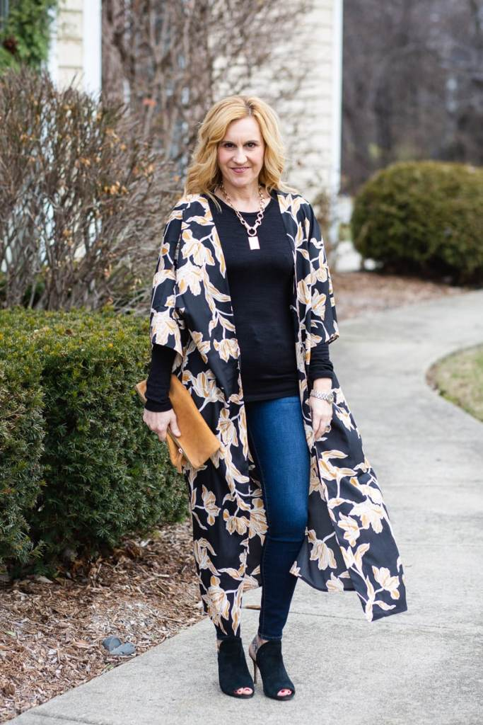Floral robe from the Box of Style paired with skinny jeans and heels.