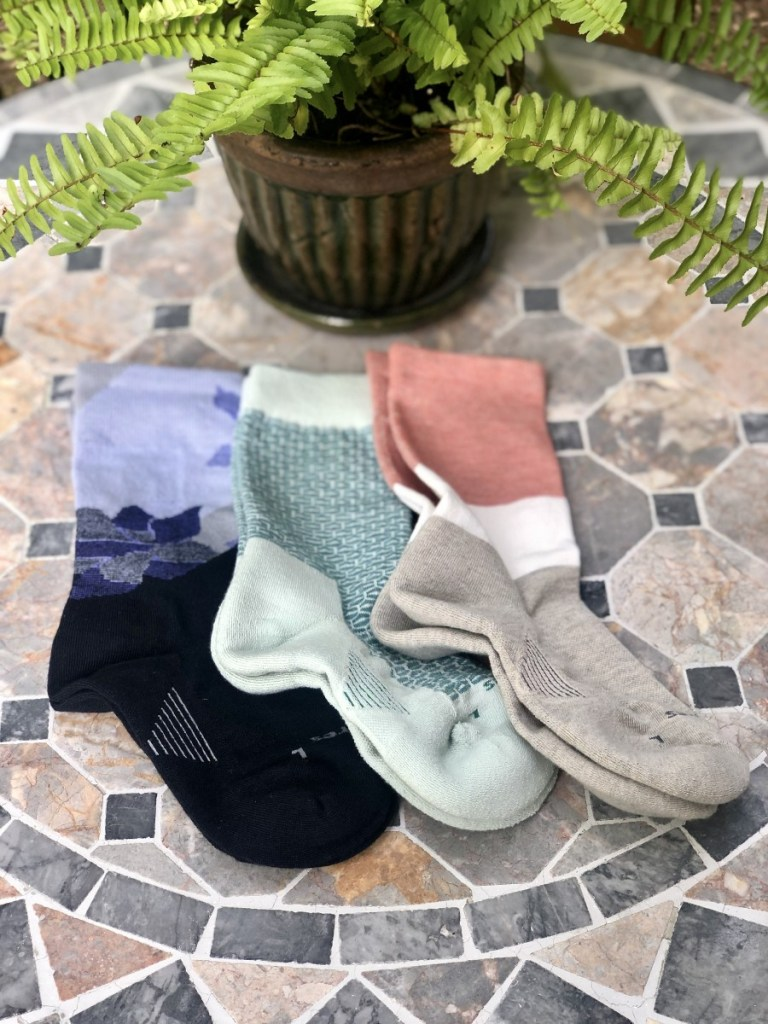 Feetures Cushion Crew Socks for Women