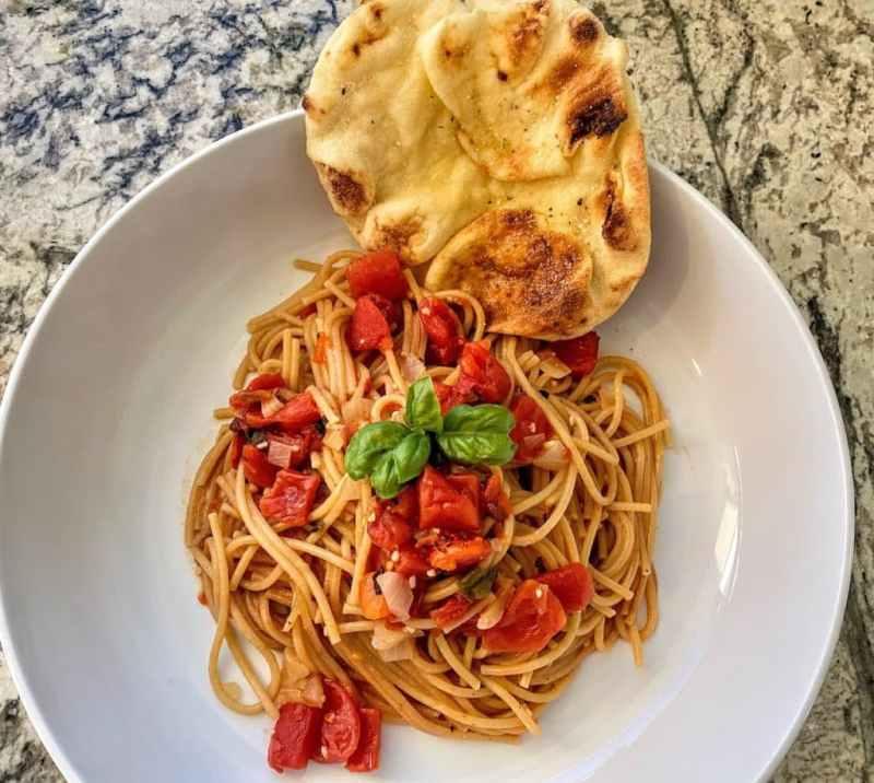 Tomato basil pasta recipe with naan