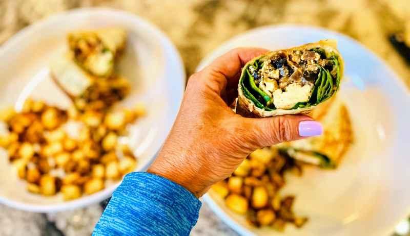 close-up-breakfast-burrito-1024x591 Vegan Breakfast Burrito