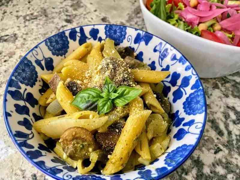 pesto pasta with mushrooms