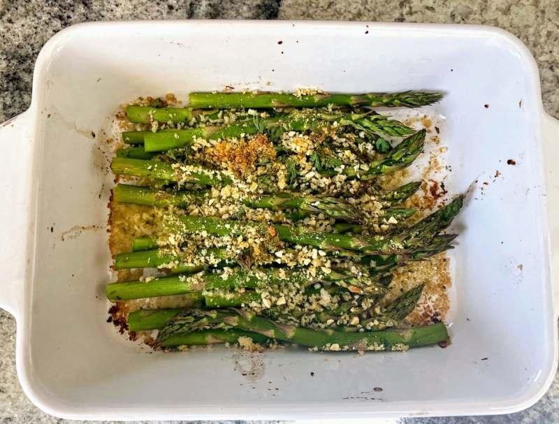 Baked parmesan crusted asparagus