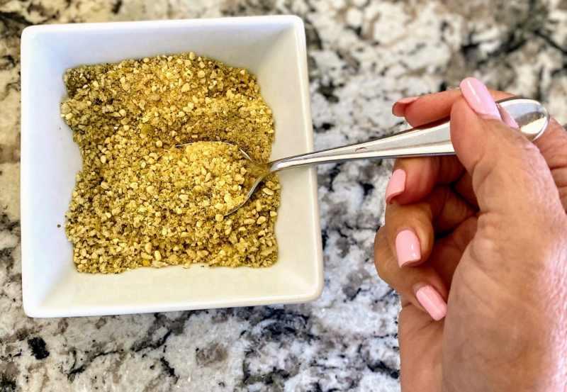Vegan parmesan mixture