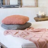 Woning Magazine: 79 haak-, brei- en macramé patronen voor je woning