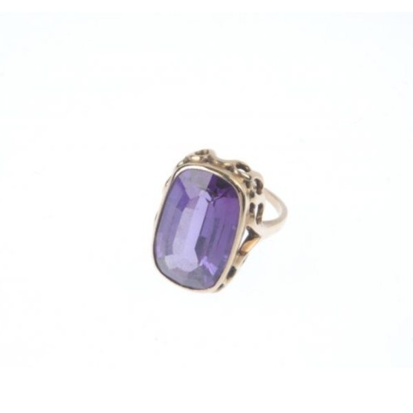 Vintage Retro-Modern 9ct Yellow Gold Synthetic Color Change Sapphire Ring