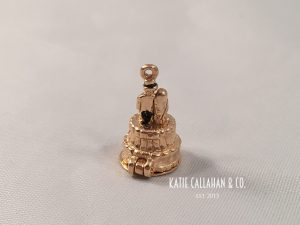 14kt Yellow Gold Wedding Cake Charm With Baby Carriage (Vintage)