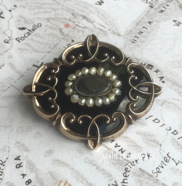 Victorian 14kt Yellow Gold Seed Pearl and Onyx Mourning Brooch/Pendant (Antique)