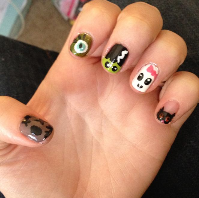 Nail Art Design: Halloween Nails by Katie Crafts; http://www.katiecrafts.com