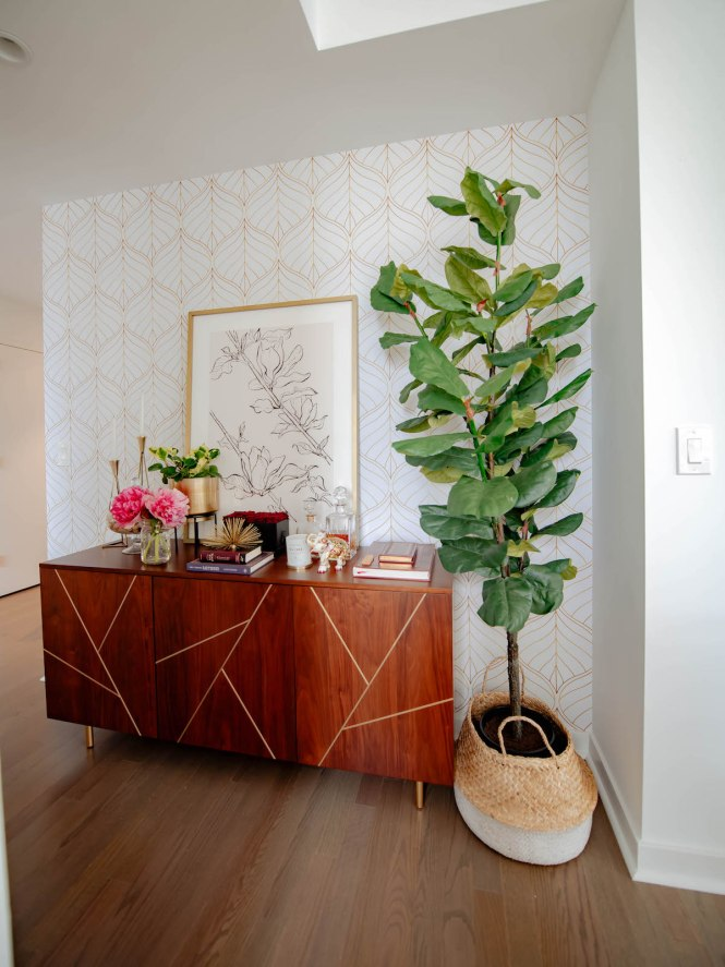 How To Ly Temporary Wallpaper In A Al Apartment