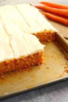 Carrot-Sheet-Cake-recipe-carrot-cake-sheet-cake-vert6-683x1024