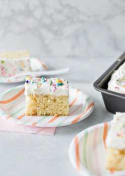 vanilla_sheet_cake_hero5-600x840