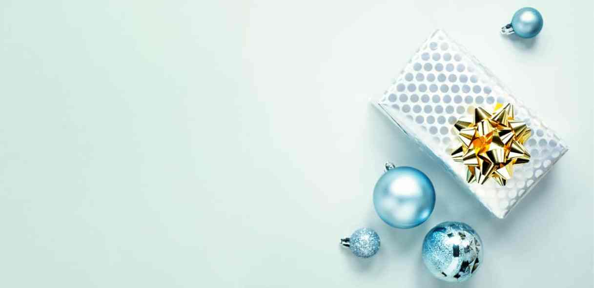 blue-christmas-flat-lay-background-H5QX9FE