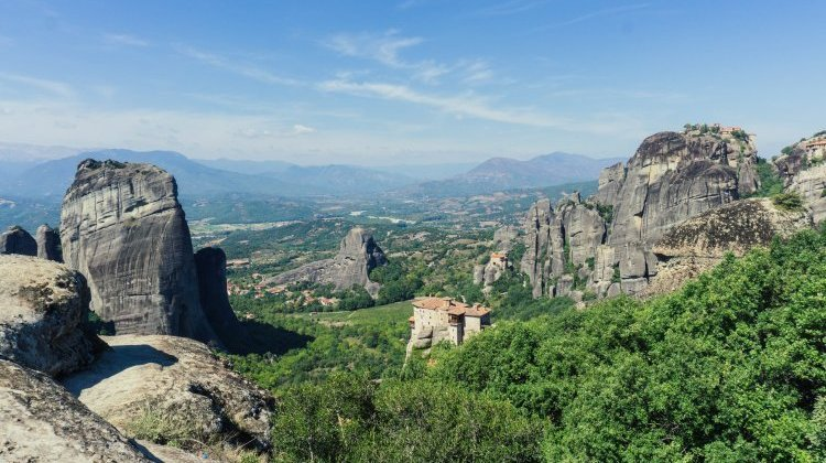 Meteora day trip from Thessaloniki with Ammon Express