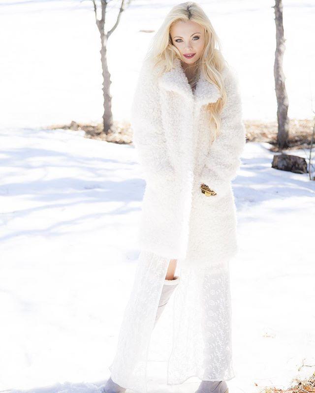 ️️️ SnowQueen