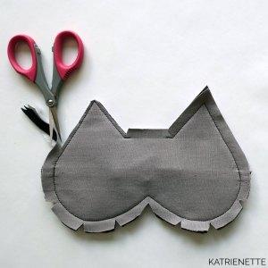 slaapmasker katslaapmasker kat kattenoren katoren naaipatroon patroon howto tutorial sleeping mask eye cat ears sewing pattern katrienette simple gift cadeau kado kadootje travel reis reizen