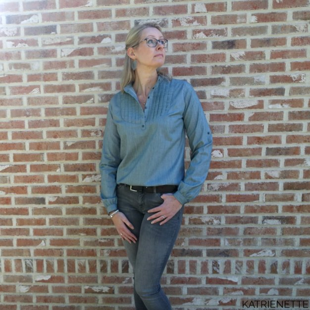 Katrienette carme blouse bloes hemd dames pauline alice Sleeve tab french seam AGF Art gallery solid smooth denim sew along platte plooi franse naad opstaande kraag naaien