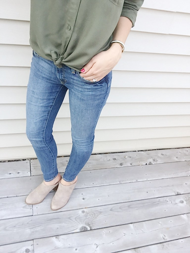jeans and mules make a great look for the fall! And perfect for day 2 of the 5x5 summer style challenge