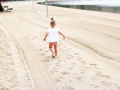 5 Items to Entertain your Toddler with on a Road Trip