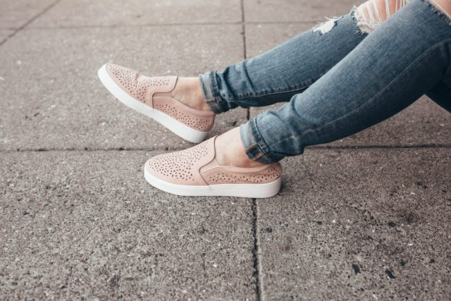 Slippers and Sneakers, Sneaker Head, Sneaker Addict, Oprah, Oprah's Favorite Things, Oprah's Shoes, Vionic Shoes, Sneakers, Sneaker Head, Slip-On Sneakers, Pink Sneakers, Gift Guide, KatWalkSF, Kat Ensign, SF Blogger, San Francisco Style, Stylist, Fashionista, Fashion Diaries