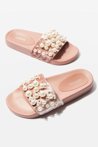 Topshop, Topshop Slides, Topshop Sliders, HAILEY Velvet Pearl Sliders, KatWalkSF, Kat Enign, Fashionista, Fashion Diaries, Spring Trends, Spring Style, Best Blogger in San Francisco, San Francisco Fashion Blogger, Tuesday Shoesday, Trends, SOTD