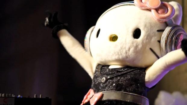 Hello Kitty s Birthday Party! [2016.11.01].00_00_42_07.Still007