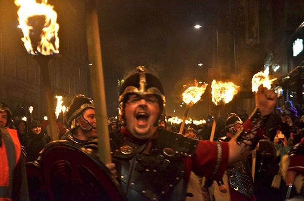 Torchlight Procession em Edimburgo