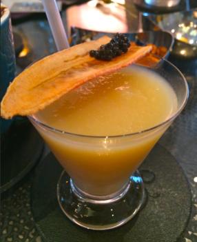 Drink de banana com caviar em Londres