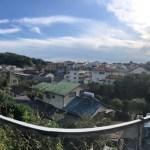 神奈川の丘の上に建つ二世帯住宅