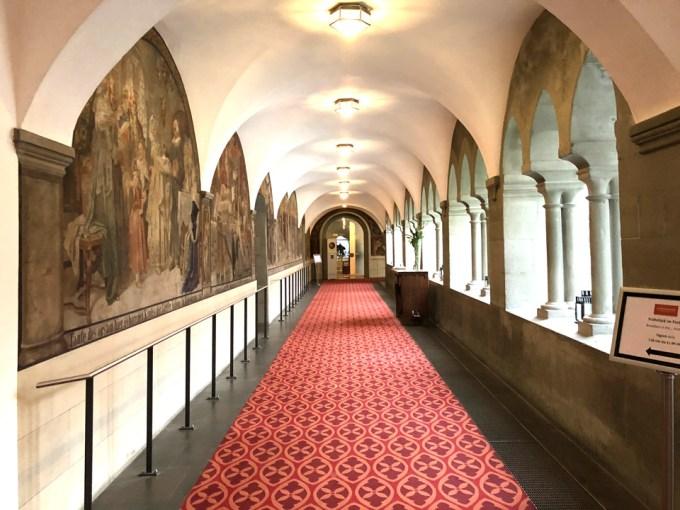シュタイゲンベルガー・ホテルの回廊