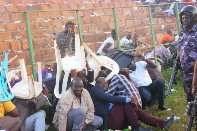 Tear Gas, Gun-shots mar Jinja SS' slim win over 10 man Standard High Zana #Uganda Dr Lawrence Mulindwa takes over 1