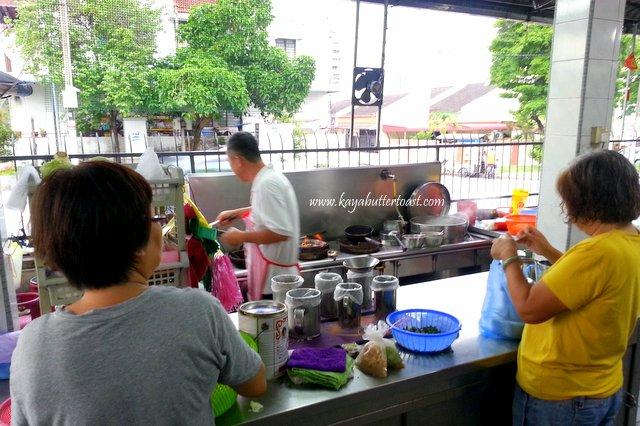 Famous Sungai Dua Fish Meat Bee Hoon, Tom Yam & Bah Kut Teh Stall @ Sungai Dua, Penang (5)